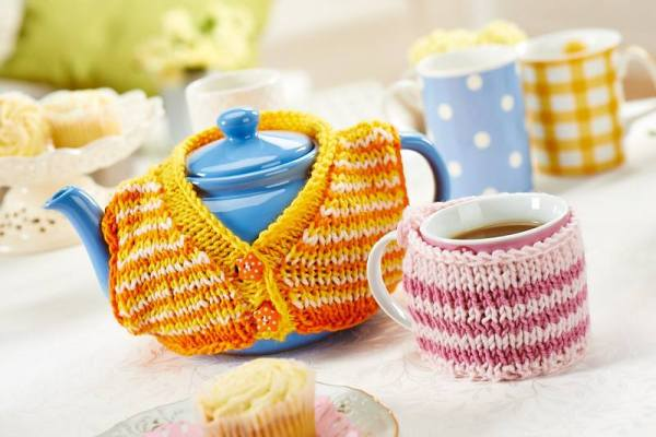 LGC tea cosy nd mug warmer
