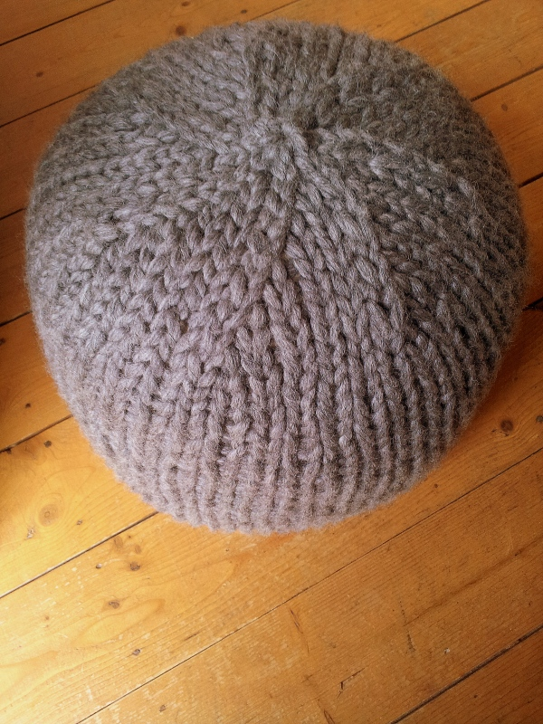 knit now pouffe